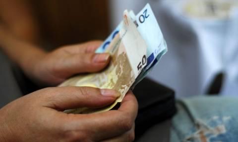 Οικογενειακό επίδομα: Στους λογαριασμούς τα χρήματα της δ' δόσης