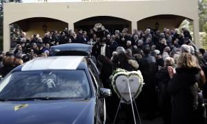 Θρήνος στην κηδεία του δημοσιογράφου Βασίλη Μπεσκένη - Συγκλόνισε ο Άδωνις Γεωργιάδης (pics)