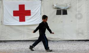 Δωρεά ενδυμάτων αξίας 500.000 ευρώ προς τον Ελληνικό Ερυθρό Σταυρό