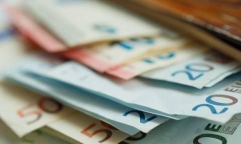 Στα 35 ευρώ για όλους το ΕΚΑΣ