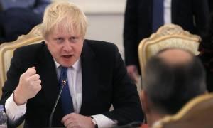 Μπόρις Τζόνσον – Σεργκέι Λαβρόφ: Βρετανική «επίθεση» φιλίας προς τη Ρωσία