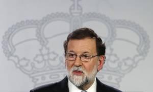 Ισπανία: Ενοχλημένος ο Ραχόι από τη νίκη των αυτονομιστών αρνείται να συναντηθεί με τον Πουτζντεμόν