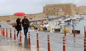 Κακοκαιρία Κρήτη: Τυλίχτηκε στην ομίχλη το Λασίθι – Απαγόρευση απόπλου από το νησί