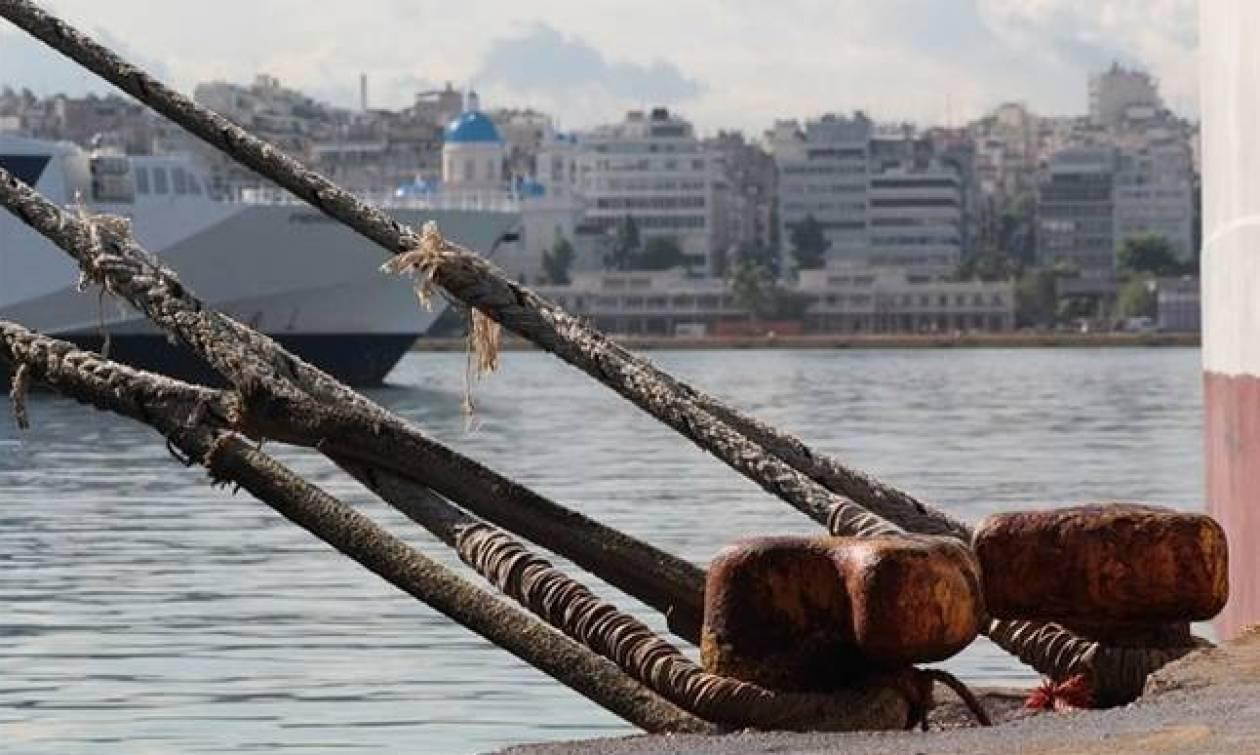 Απαγορευτικό απόπλου LIVE: Δεμένα τα πλοία σε Πειραιά, Ραφήνα και Λαύριο
