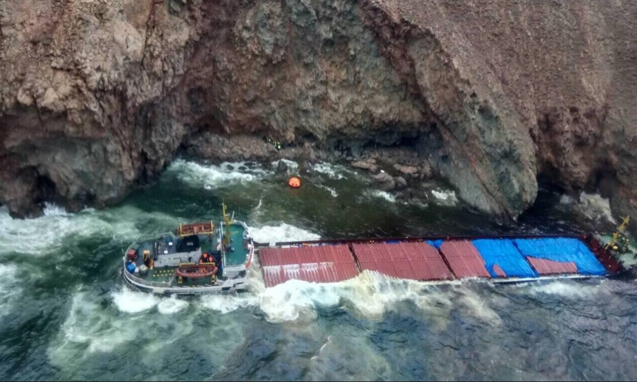 Καρέ - καρέ η επιχείριση διάσωσης των 12 ναυτικών στη Μύκονο (pics&vid)