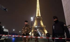 Γαλλία: Σε επιφυλακή σχεδόν 100.000 μέλη των υπηρεσιών ασφαλείας για το διήμερο των Χριστουγέννων