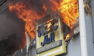 Τραγωδία στις Φιλιππίνες: Δεκάδες νεκροί από τη φωτιά σε εμπορικό κέντρο