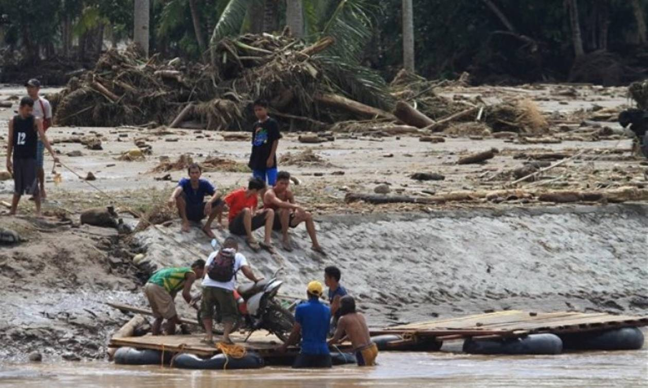 Τουλάχιστον 240 οι νεκροί από τη φονική καταιγίδα στις Φιλιππίνες