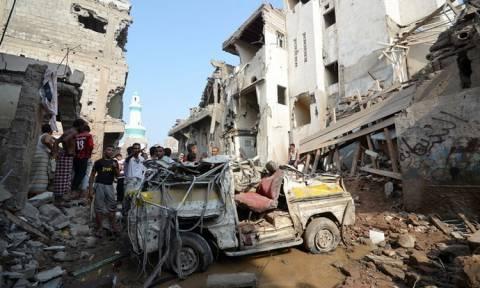 Υεμένη: Νέες αεροπορικές επιδρομές με δεκάδες νεκρούς