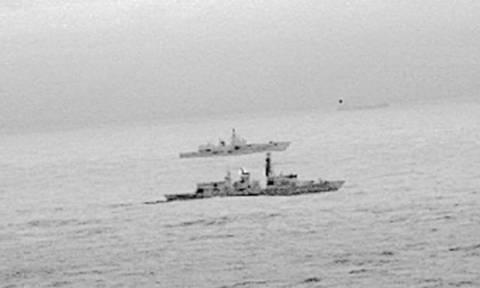 Βρετανική φρεγάτα «συνόδευσε» ρωσικό πολεμικό πλοίο στη Βόρεια Θάλασσα