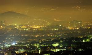 «Πνίγηκαν» από την αιθαλομίχλη Αθήνα και Θεσσαλονίκη το βράδυ των Χριστουγέννων