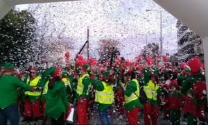Χανιά: Χιλιάδες Αγιο-Βασίληδες «πλημμύρισαν» την πόλη