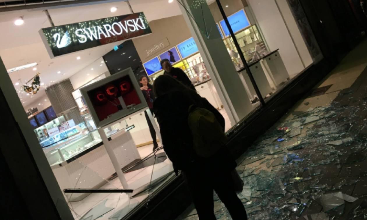 Τρόμος στο Λονδίνο έπειτα από πληροφορίες για πυροβολισμούς σε κατάστημα