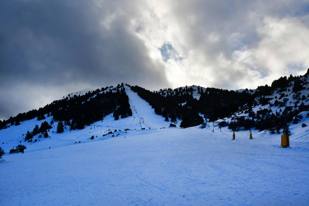 Το χιονοδρομικό του Μαίναλου άνοιξε και σας περιμένει! (pics)