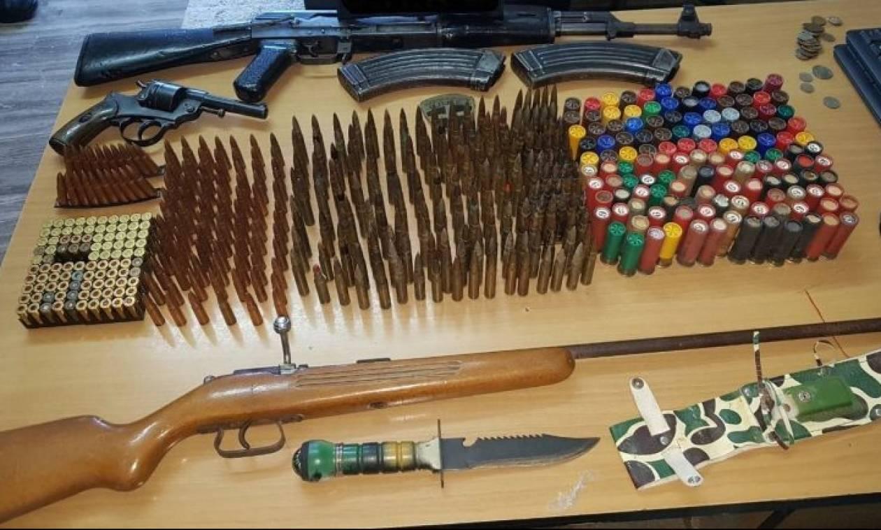 Ηράκλειο: Συλλήψεις για αρχαία και όπλα (pics)