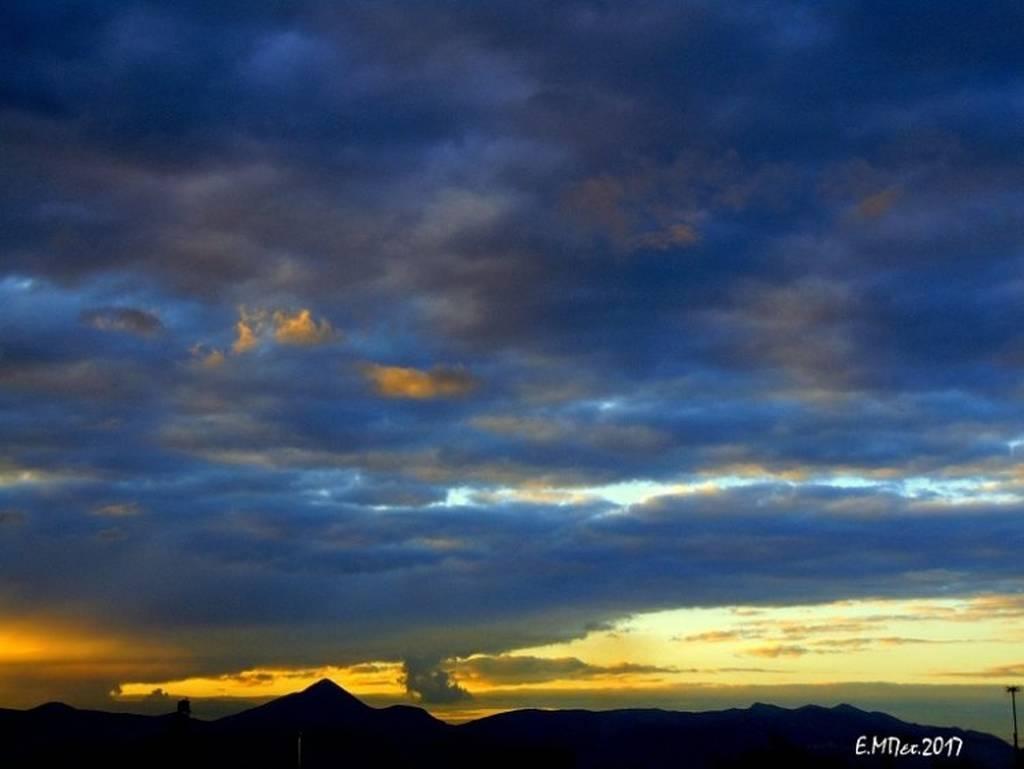 Μαγευτικές εικόνες από τον Κρητικό ουρανό που μαγνητίζει το βλέμμα