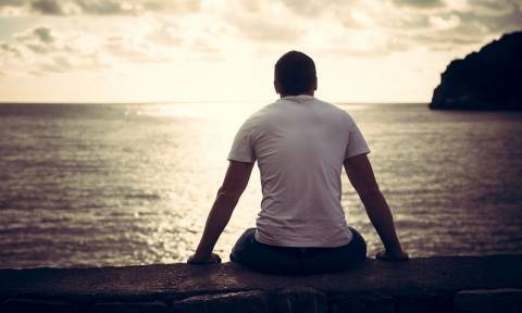 Στεφανιαία νόσος & μοναξιά: Πόσο αυξάνουν τον κίνδυνο πρόωρου θανάτου