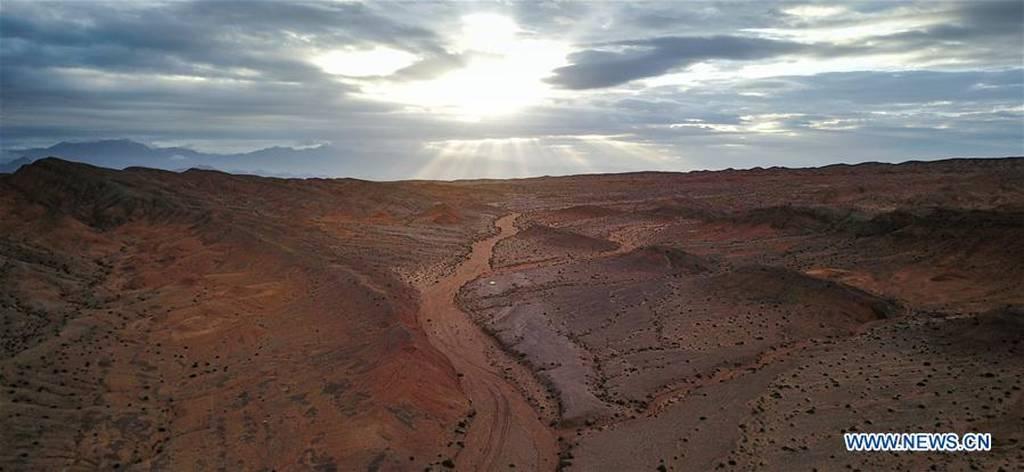 Κι όμως κάπου στον κόσμο χτίζεται ένα «αρειανό» χωριό - Δείτε πού