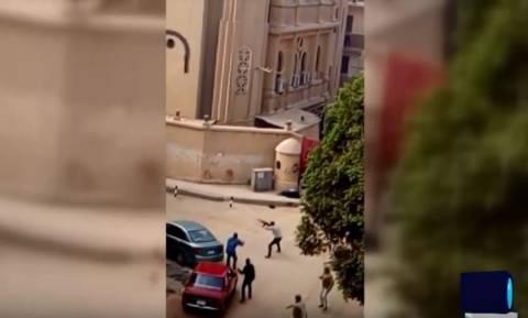Συγκλονιστικό βίντεο: Δείτε καρέ-καρέ την ένοπλη επίθεση σε εκκλησία στην Αίγυπτο