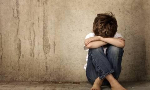 Φρίκη στον Άγιο Δημήτριο: Πατέρας εξέδιδε τα παιδιά του σε ερωτικούς του συντρόφους