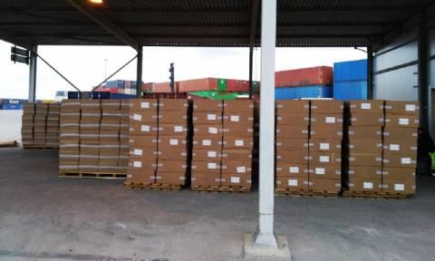 Θεσσαλονίκη: Κατασχέθηκαν 10 εκατ. πακέτα λαθραίων τσιγάρων που είχαν δηλωθεί ως… γιρλάντες