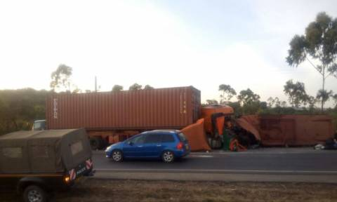 Φρικτό δυστύχημα στην Κένυα: Τριάντα νεκροί σε τροχαίο (ΠΡΟΣΟΧΗ ΣΚΛΗΡΕΣ ΕΙΚΟΝΕΣ)