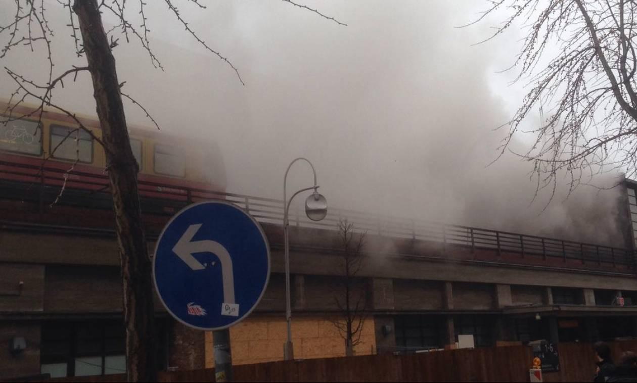 Γερμανία: Έσβησε η πυρκαγιά στο σιδηροδρομικό σταθμό του Βερολίνου – Τουλάχιστον ένας τραυματίας