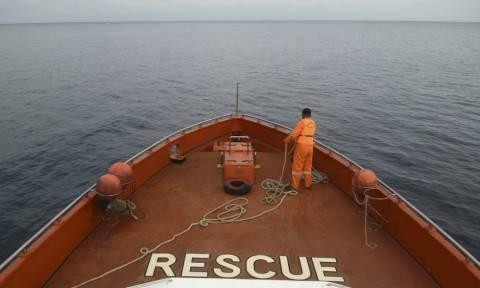 Ινδονησία: Δεκάδες αγνοούμενοι από την ανατροπή ταχύπλοου σκάφους