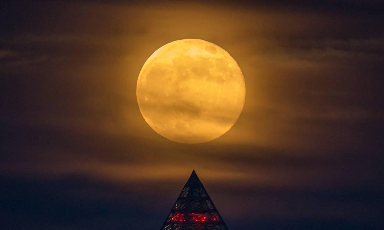 Σούπερ Σελήνη: Έρχεται η μεγαλύτερη και φωτεινότερη πανσέληνος του 2018! (Pics)