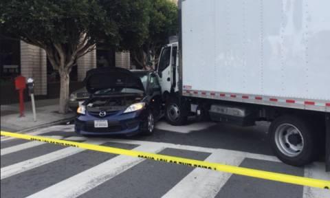 ΗΠΑ: Φορτηγό παρέσυρε πεζούς και άλλα αυτοκίνητα – Επτά τραυματίες