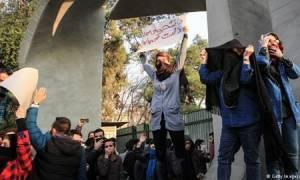 Αιματηρή νύχτα στο Ιράν: Ακόμα εννέα νεκροί σε ταραχές