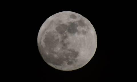Η υπερ-πανσέληνος έκανε τη νύχτα - μέρα - Εντυπωσιακές εικόνες