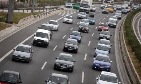 Κάθε 13 χρόνια αγοράζουν καινούργιο αυτοκίνητο οι Έλληνες