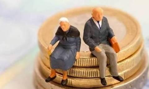 Wall Street Journal: Οι Έλληνες βασίζονται στις συντάξεις των παππούδων