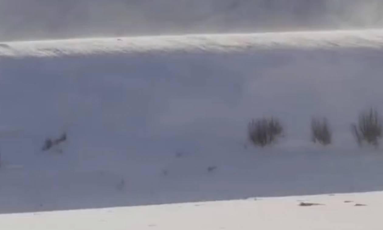 Γυναίκα «έπιασε» στην κάμερά της το πιο σπάνιο τσουνάμι χιονιού που έχει  καταγραφεί ποτέ cc0d2e8e40f
