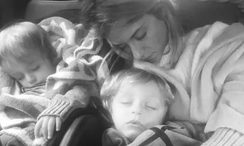Ο γιος της Σοφίας Καρβέλα έγινε δύο ετών και εκείνη ανέβασε την πιο γλυκιά φωτογραφία του