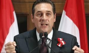Αυστριακός αντικαγκελάριος: Απαγόρευση κυκλοφορίας τις βραδινές ώρες για τους πρόσφυγες