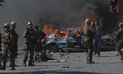 Αφγανιστάν: Τουλάχιστον 11 νεκροί από επίθεση αυτοκτονίας βομβιστή-καμικάζι στην Καμπούλ