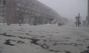 Χάος στις ΗΠΑ από την κακοκαιρία - Τέσσερα μέτρα παγωμένου νερού «βούλιαξαν» τη Βοστώνη (pics)