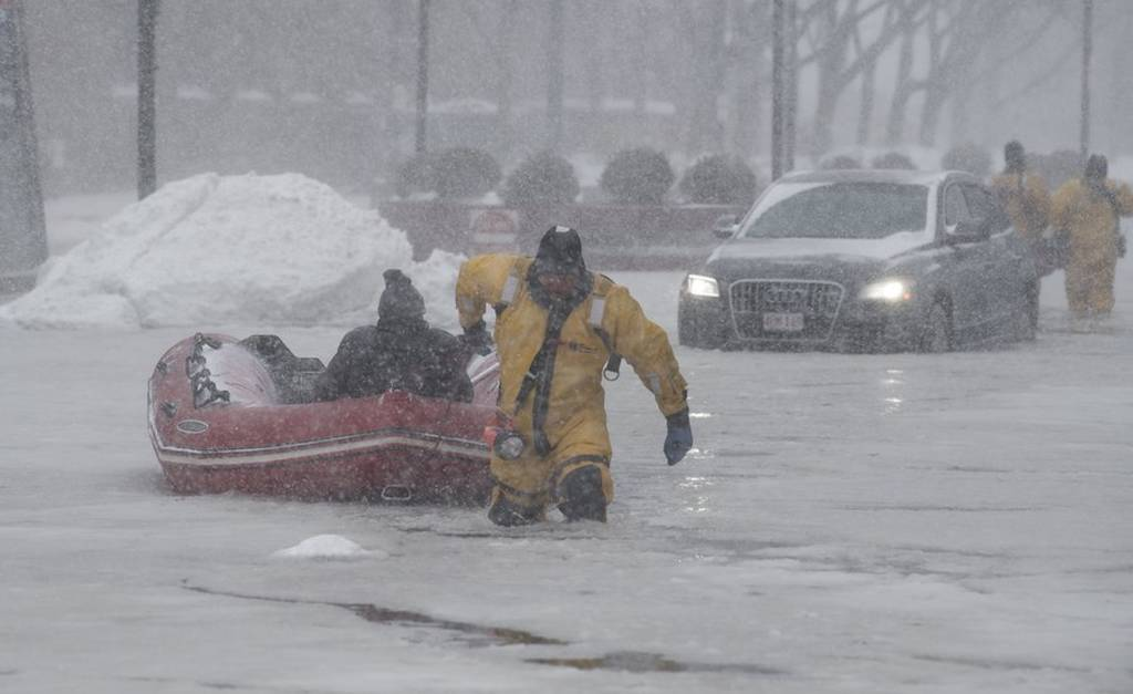 Σφοδρές χιονοθύελλές και πολικό ψύχος «γονάτισαν» τις ΗΠΑ: Στους 18 οι νεκροί