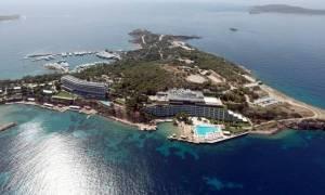 Αστέρας Βουλιαγμένης: Το ιστορικό ξενοδοχείο ανακαινίζεται με οδηγό την αίγλη του παρελθόντος