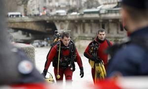 Χείμαρροι και πλημμύρες «έπνιξαν» τη Γαλλία – Θρίλερ με αστυνομικό που χάθηκε στα νερά του Σηκουάνα