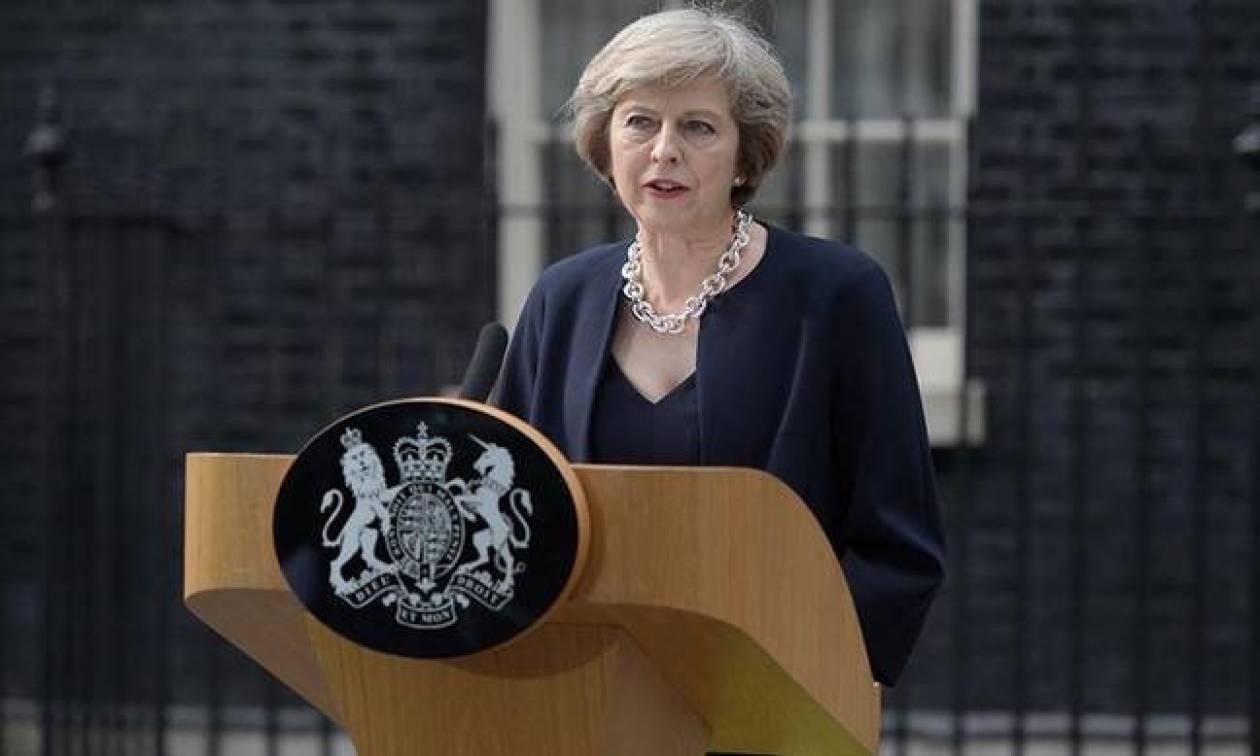 Βρετανία: Ανακοινώνει ανασχηματισμό τη Δευτέρα η Μέι
