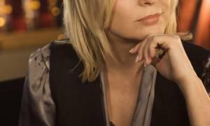 Θλίψη! Πέθανε γνωστή τραγουδίστρια μετά από μάχη με τον καρκίνο