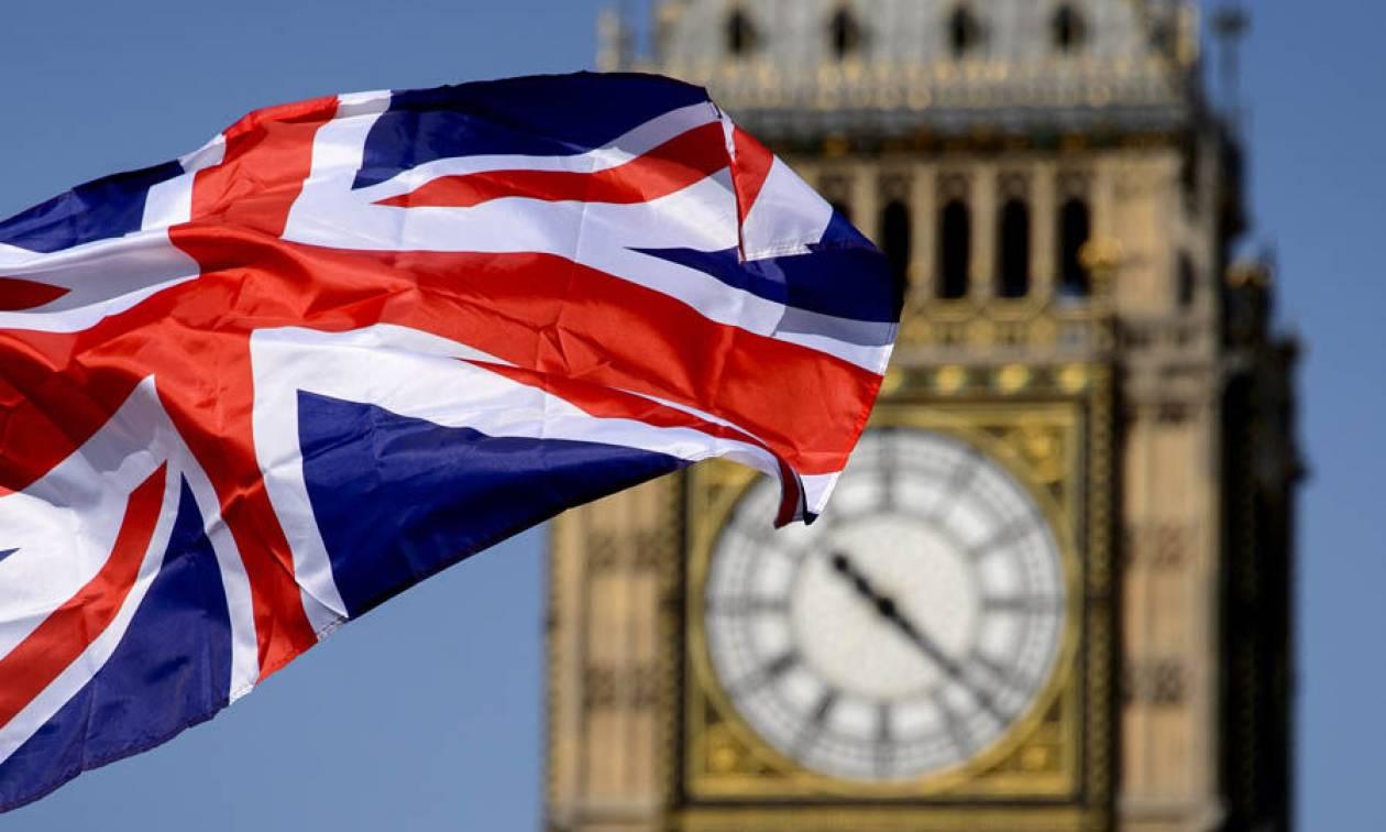 Πασίγνωστος μουσικός δηλώνει: «Το Brexit είναι ό,τι πιο χαζό έχω ζήσει!»