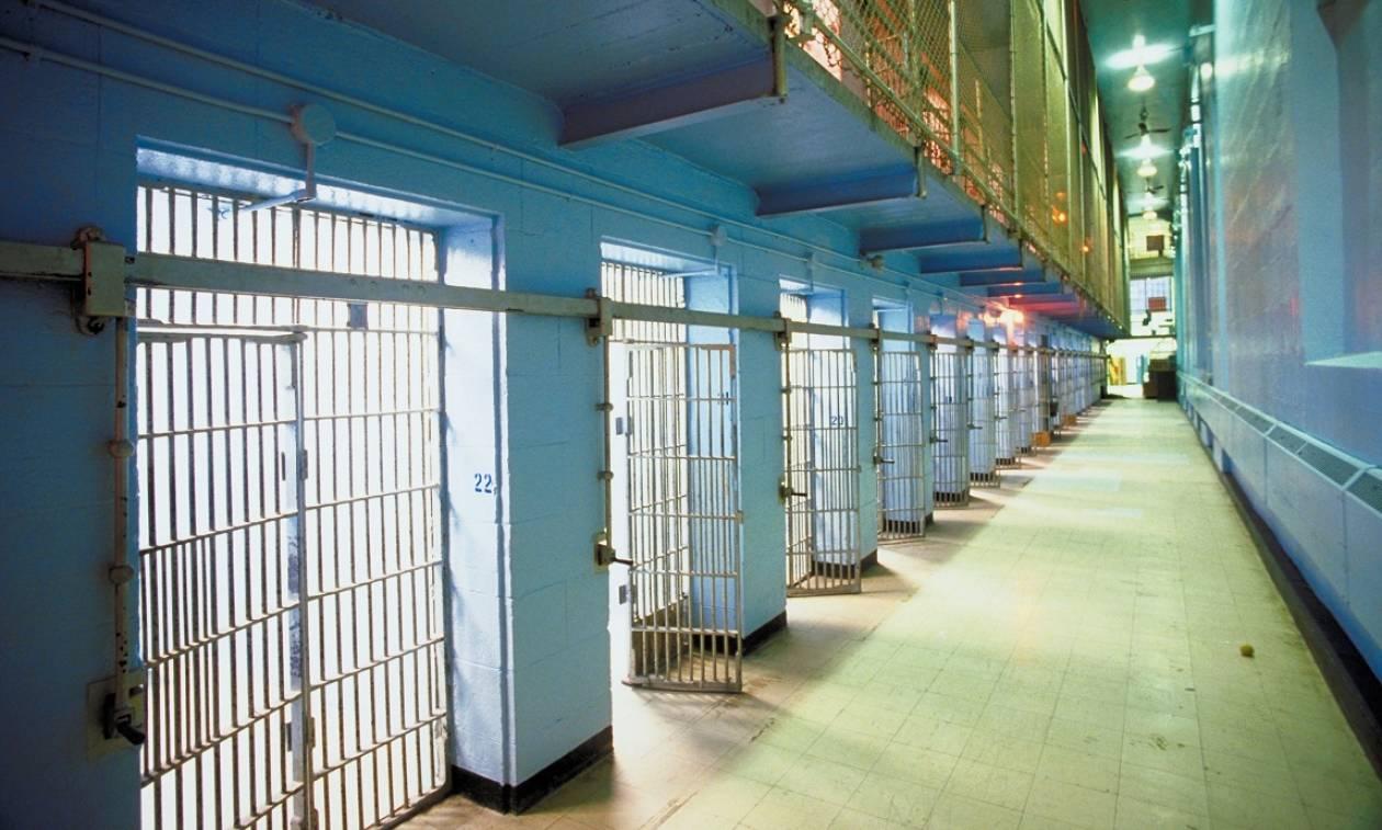 Θρίλερ στον Κορυδαλλό: Νεκρός στο κελί του ο δράστης της άγριας δολοφονίας στο Περιστέρι