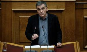 Βουλή –Τσακαλώτος: Δεν αλλάζουν οι όροι των πλειστηριασμών που γίνονται ηλεκτρονικά