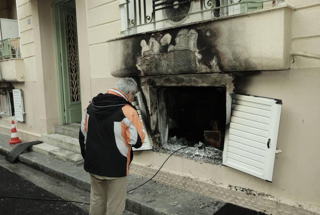 Φωτιά στην Καλλιθέα: Έτσι εκτυλίχθηκε η τραγωδία με τις δύο νεκρές ηλικιωμένες (pics)