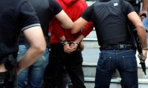 Λάρισα: Χειροπέδες σε 59χρονο που έχει καταδικαστεί σε 106 χρόνια φυλάκισης!