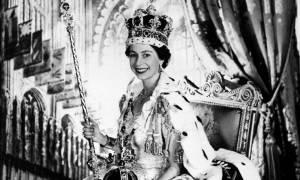 Απίστευτο: Δείτε τι έπαθε η βασίλισσα Ελισάβετ την ημέρα της στέψης!